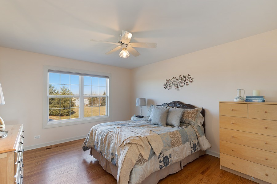 Real Estate Photography - 18 Hawthorn Grove Drive, Hawthorn Woods, IL, 60047 - 2nd Bedroom