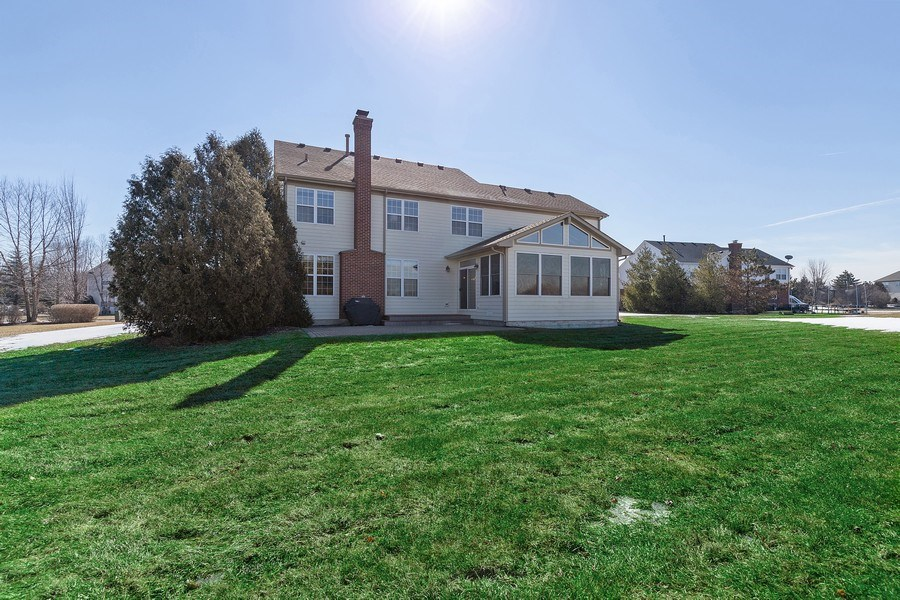 Real Estate Photography - 18 Hawthorn Grove Drive, Hawthorn Woods, IL, 60047 - Rear View