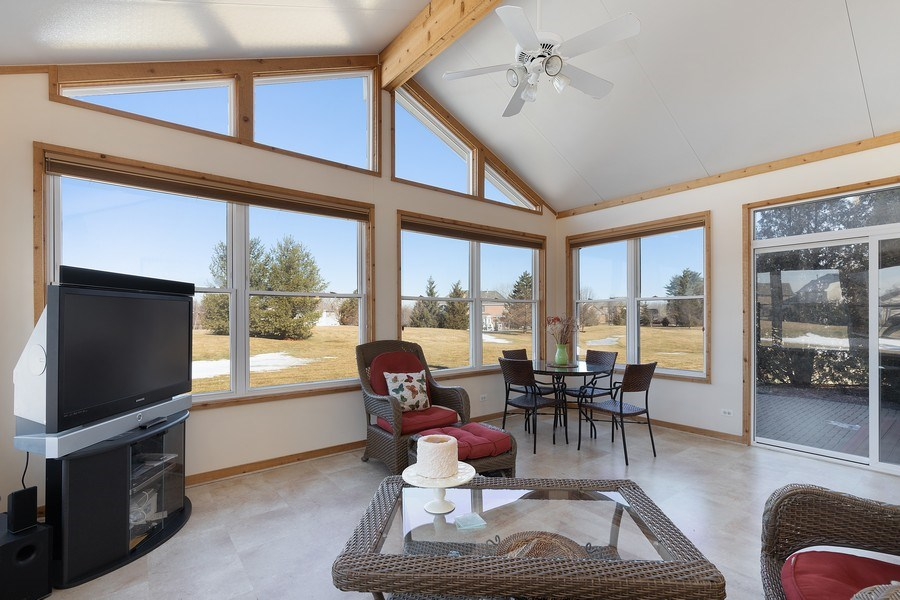Real Estate Photography - 18 Hawthorn Grove Drive, Hawthorn Woods, IL, 60047 - Sunroom