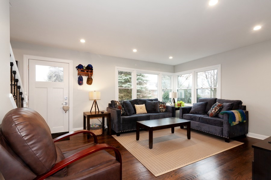 Real Estate Photography - 436 Gierz Street, Downers Grove, IL, 60515 - Living Room
