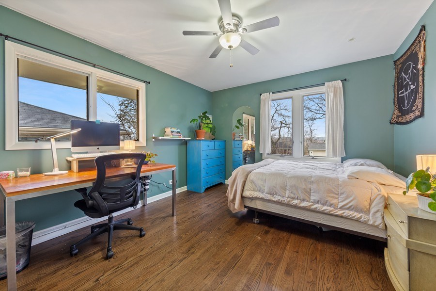 Real Estate Photography - 254 Abbotsford Ct, Glen Ellyn, IL, 60137 - 2nd Bedroom
