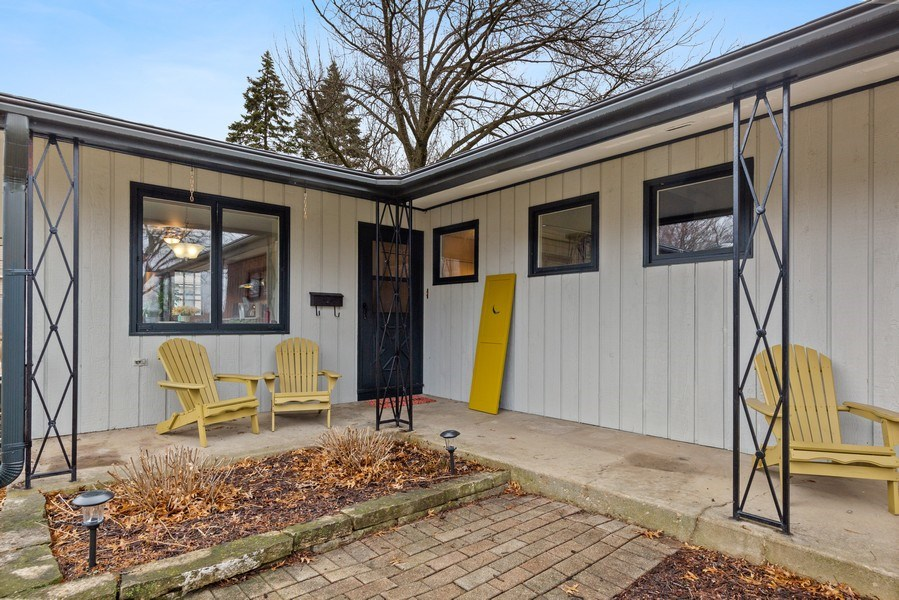 Real Estate Photography - 254 Abbotsford Ct, Glen Ellyn, IL, 60137 - Front View