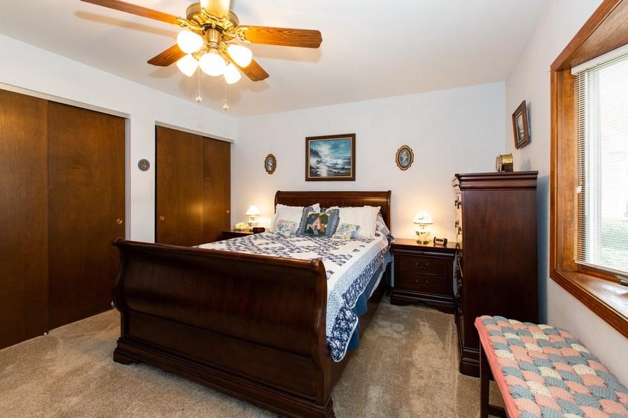Real Estate Photography - 1057 Tamarack Lane, Libertyville, IL, 60048 - Master Bedroom