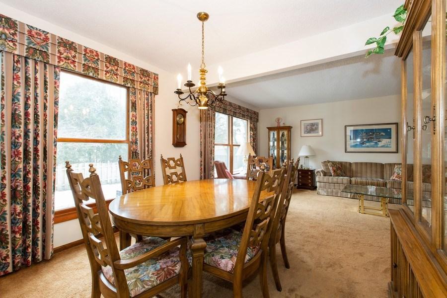 Real Estate Photography - 1057 Tamarack Lane, Libertyville, IL, 60048 - Dining Room