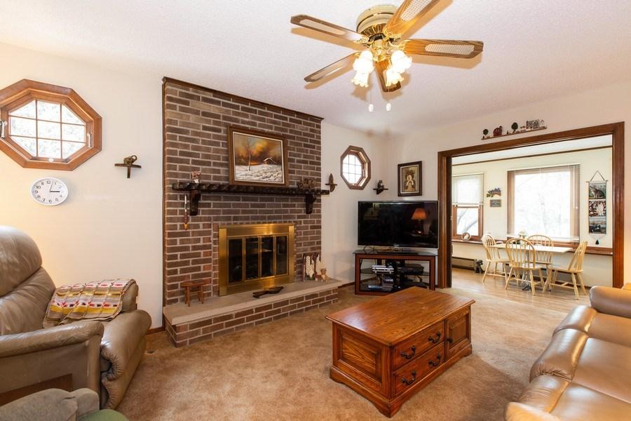 Real Estate Photography - 1057 Tamarack Lane, Libertyville, IL, 60048 - Family Room