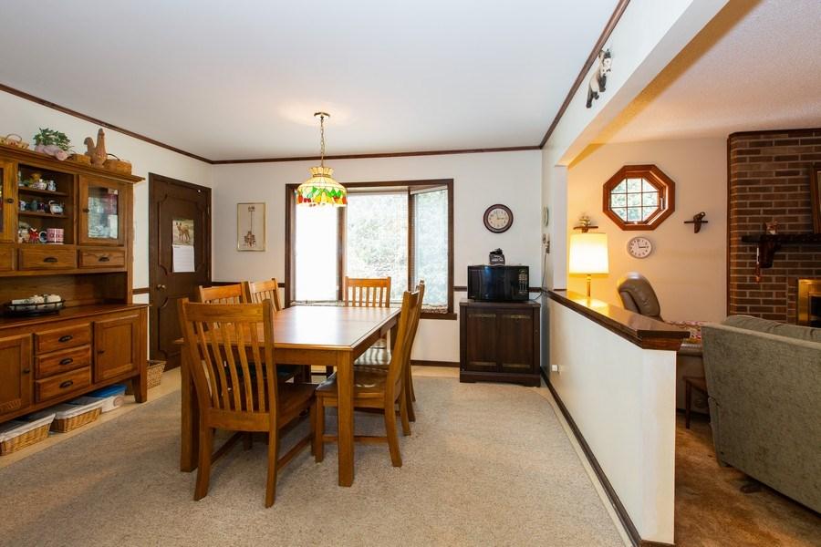Real Estate Photography - 1057 Tamarack Lane, Libertyville, IL, 60048 - Breakfast Area