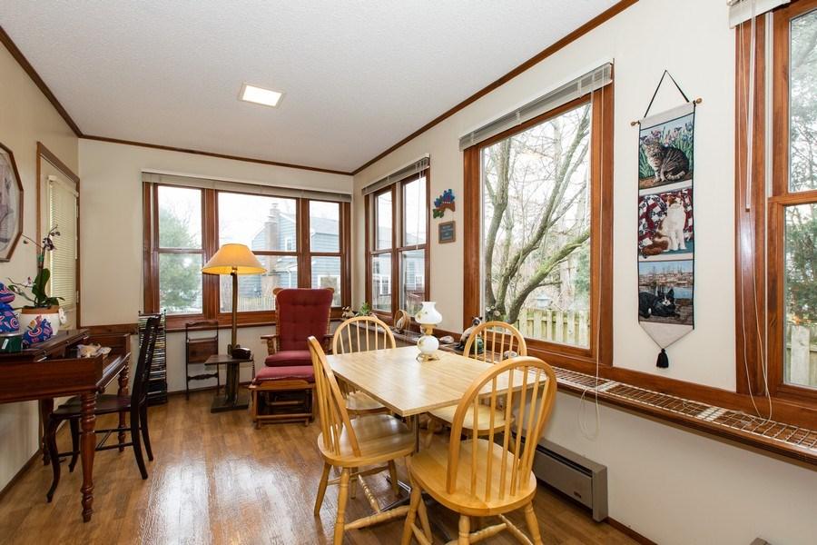 Real Estate Photography - 1057 Tamarack Lane, Libertyville, IL, 60048 - Sun Room