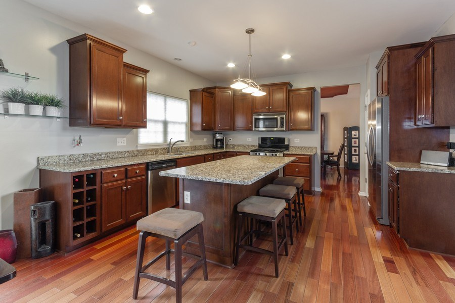 Real Estate Photography - 13602 Rockefeller Circle, Plainfield, IL, 60544 - Kitchen