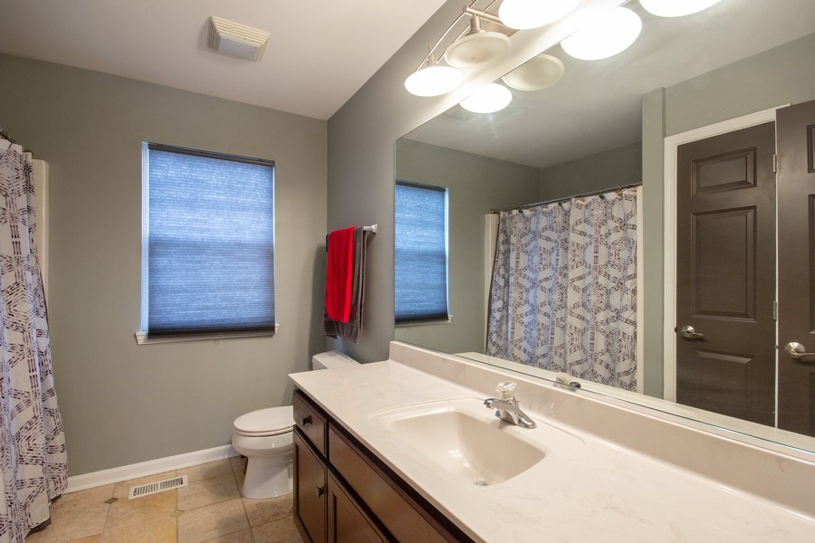 Real Estate Photography - 13602 Rockefeller Circle, Plainfield, IL, 60544 - 2nd Bathroom