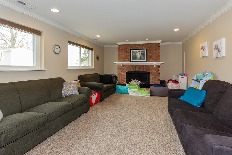 Real Estate Photography - 925 Kennebec Lane, Naperville, IL, 60563 - Family room