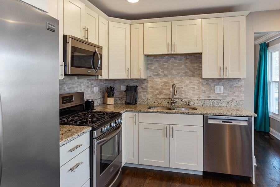 Real Estate Photography - 925 Kennebec Lane, Naperville, IL, 60563 - Kitchen