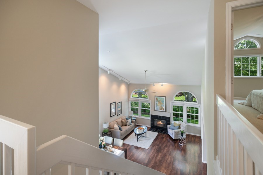 Real Estate Photography - 3052 North Daniels Ct, 201, Arlington Heights, IL, 60004 - Living Room