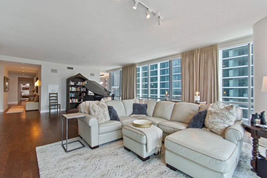 Real Estate Photography - 1201 S. Prairie Avenue, Unit 601, Chicago, IL, 60605 - Living Room