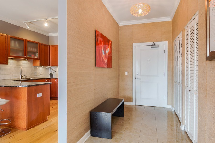 Real Estate Photography - 1429 N. Wells Street, Unit 502, Chicago, IL, 60610 - Foyer
