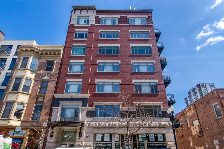 Real Estate Photography - 1429 N. Wells Street, Unit 502, Chicago, IL, 60610 - Front View