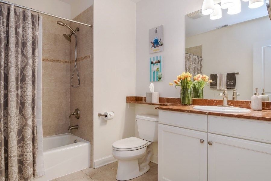 Real Estate Photography - 1429 N. Wells Street, Unit 502, Chicago, IL, 60610 - Bathroom