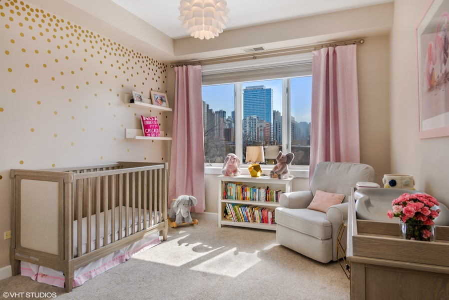 Real Estate Photography - 1429 N. Wells Street, Unit 502, Chicago, IL, 60610 - Second Bedroom