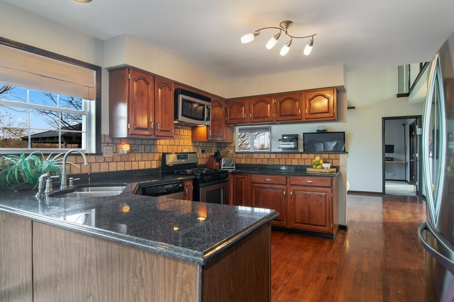 Real Estate Photography - 1456 Polo Drive, Bartlett, IL, 60103 - Kitchen