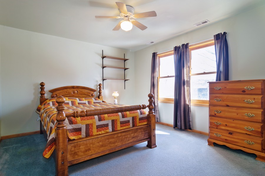 Real Estate Photography - 227 N. BERTEAU Avenue, Bartlett, IL, 60103 - Guest Bedroom