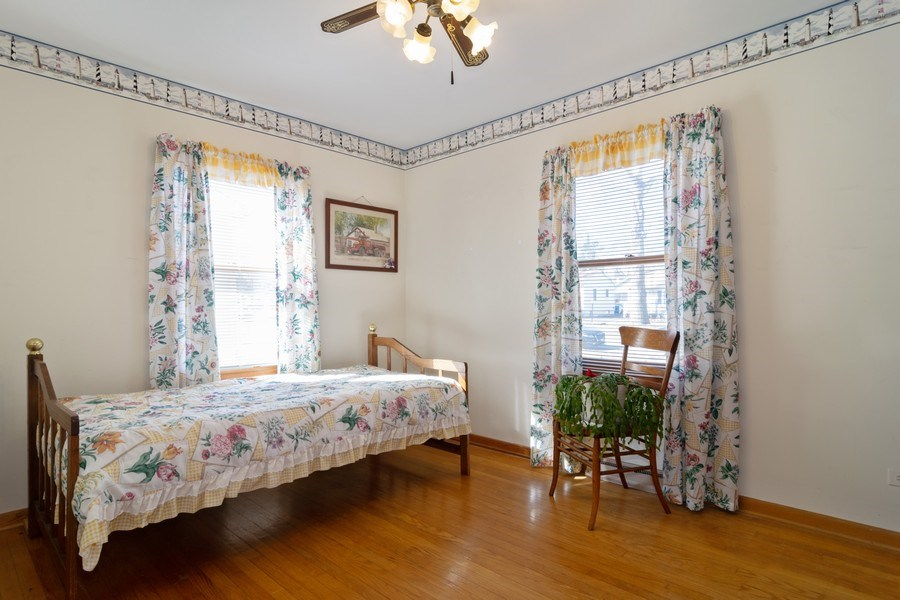 Real Estate Photography - 227 N. BERTEAU Avenue, Bartlett, IL, 60103 - 2nd Bedroom