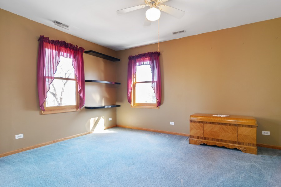 Real Estate Photography - 227 N. BERTEAU Avenue, Bartlett, IL, 60103 - Bedroom
