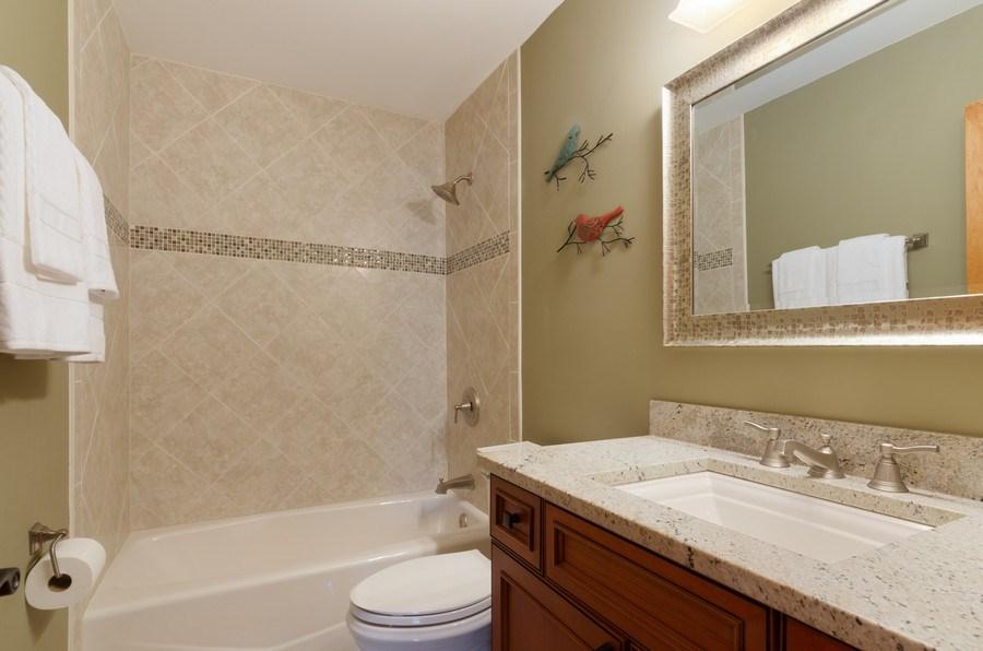 Real Estate Photography - 1065 N. Harrison Street, Algonquin, IL, 60102 - 2nd Bathroom