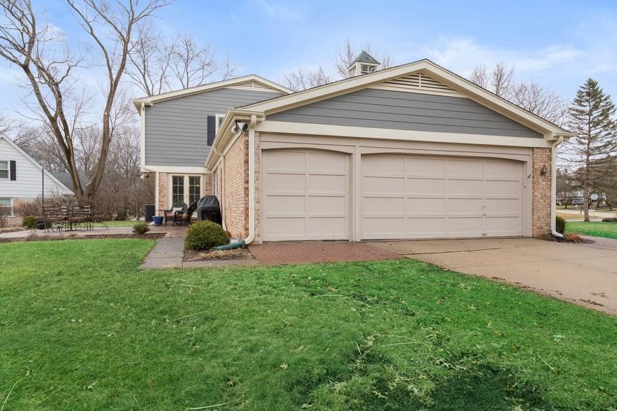 Real Estate Photography - 301 Fox Hunt Trail, Barrington, IL, 60010 - Garage