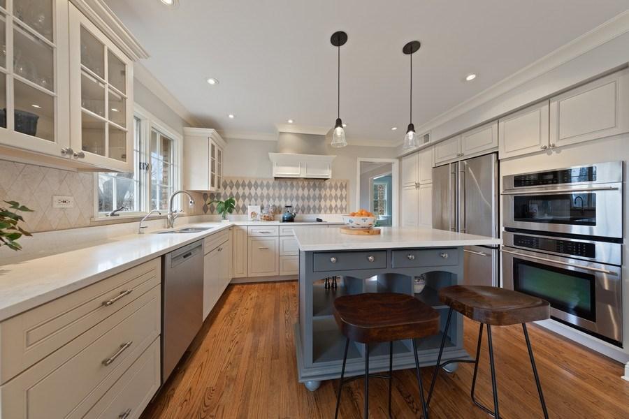 Real Estate Photography - 301 Fox Hunt Trail, Barrington, IL, 60010 - Kitchen