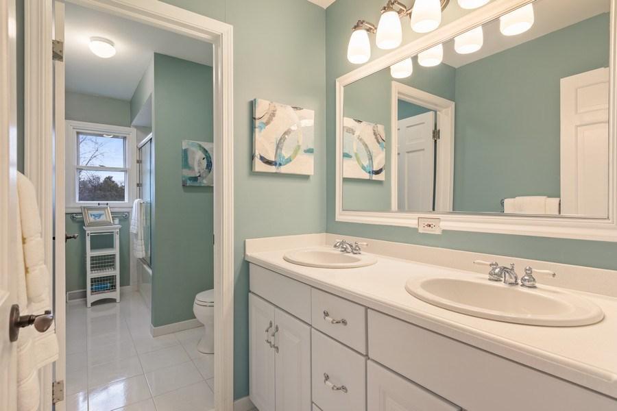 Real Estate Photography - 301 Fox Hunt Trail, Barrington, IL, 60010 - 2nd Bathroom