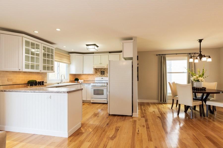 Real Estate Photography - 4980 Oak Ln, Gurnee, IL, 60031 - Kitchen / Breakfast Room