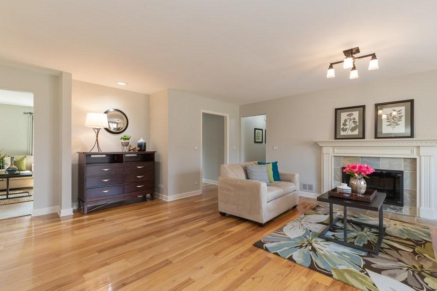 Real Estate Photography - 4980 Oak Ln, Gurnee, IL, 60031 - Office