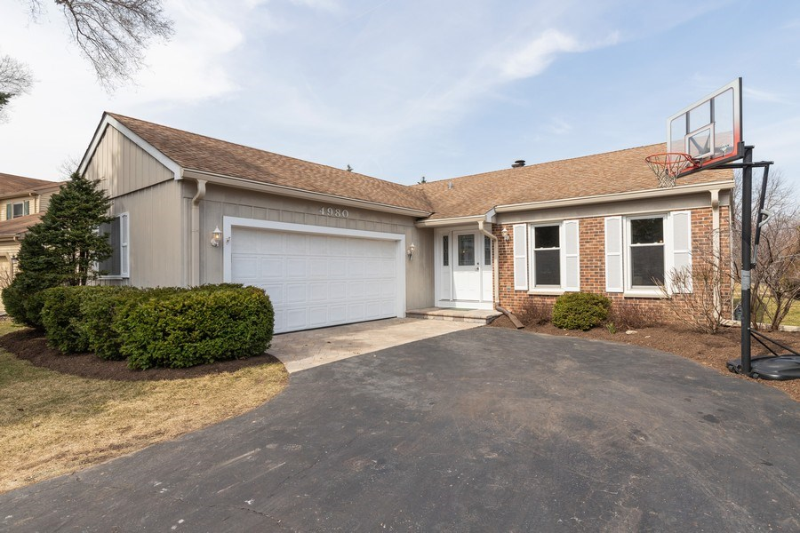 Real Estate Photography - 4980 Oak Ln, Gurnee, IL, 60031 - Front View
