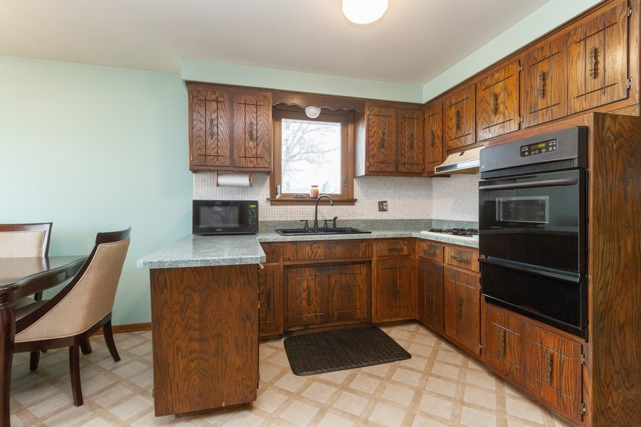 Real Estate Photography - 11116 S. Spaulding Avenue, Chicago, IL, 60655 - Kitchen