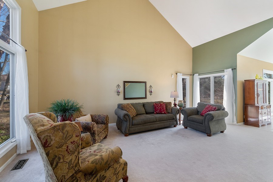 Real Estate Photography - 624 Bailey Dr, Batavia, IL, 60510 - Living Room