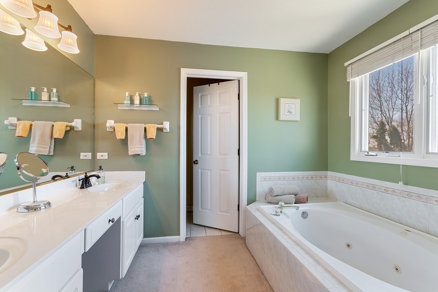 Real Estate Photography - 624 Bailey Dr, Batavia, IL, 60510 - Master Bathroom