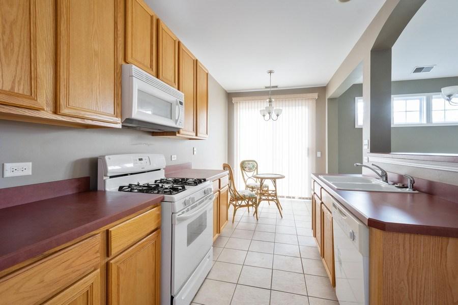 Real Estate Photography - 355 Promontory Lane, Unit B, Wauconda, IL, 60084 - Kitchen