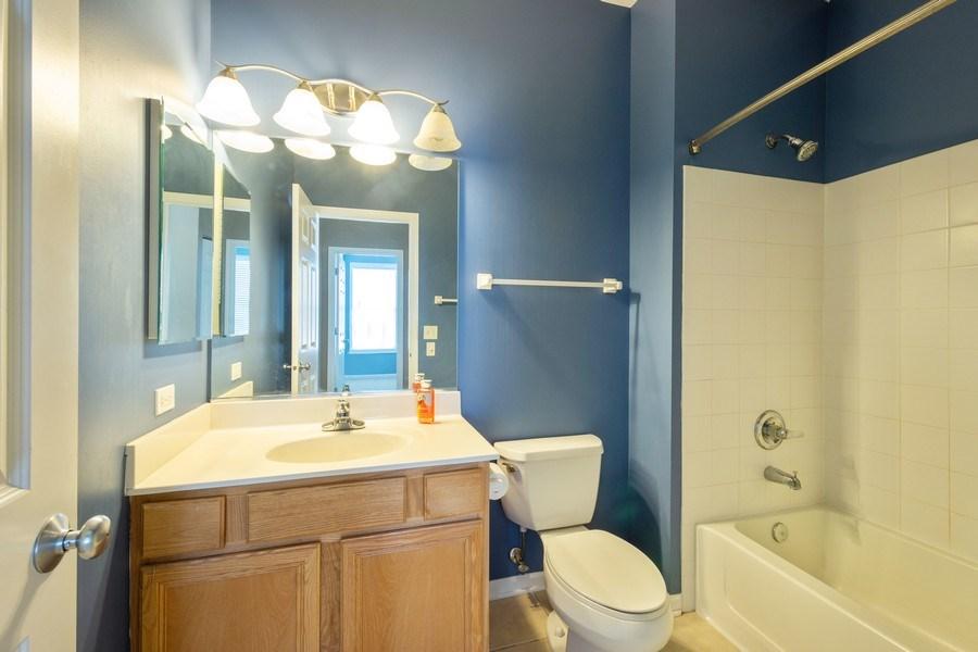 Real Estate Photography - 355 Promontory Lane, Unit B, Wauconda, IL, 60084 - 2nd Bathroom