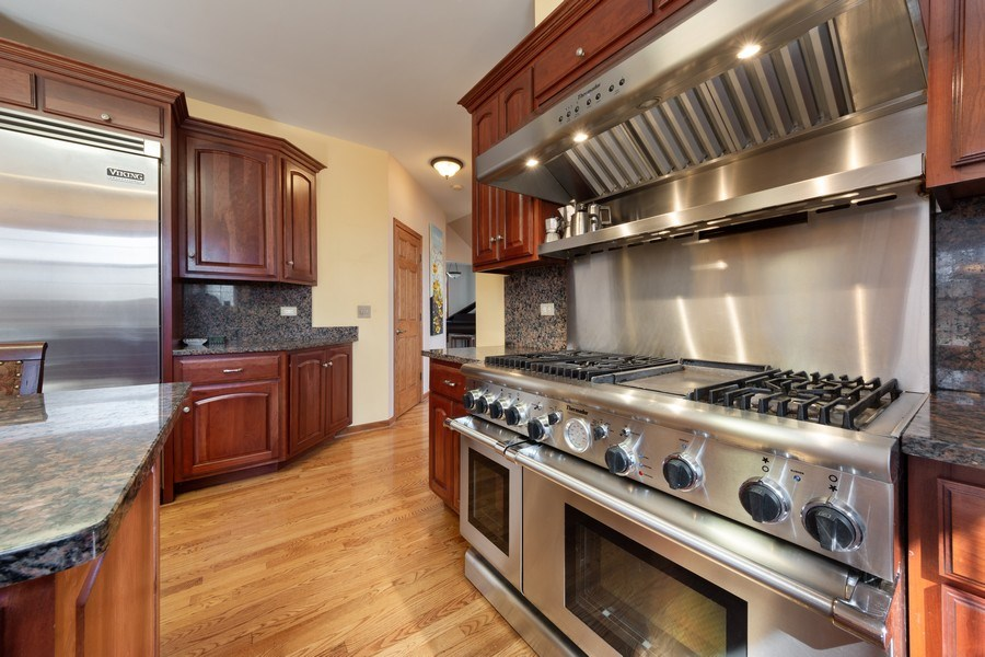 Real Estate Photography - 641 W. Ruhl Road, Palatine, IL, 60074 - Kitchen
