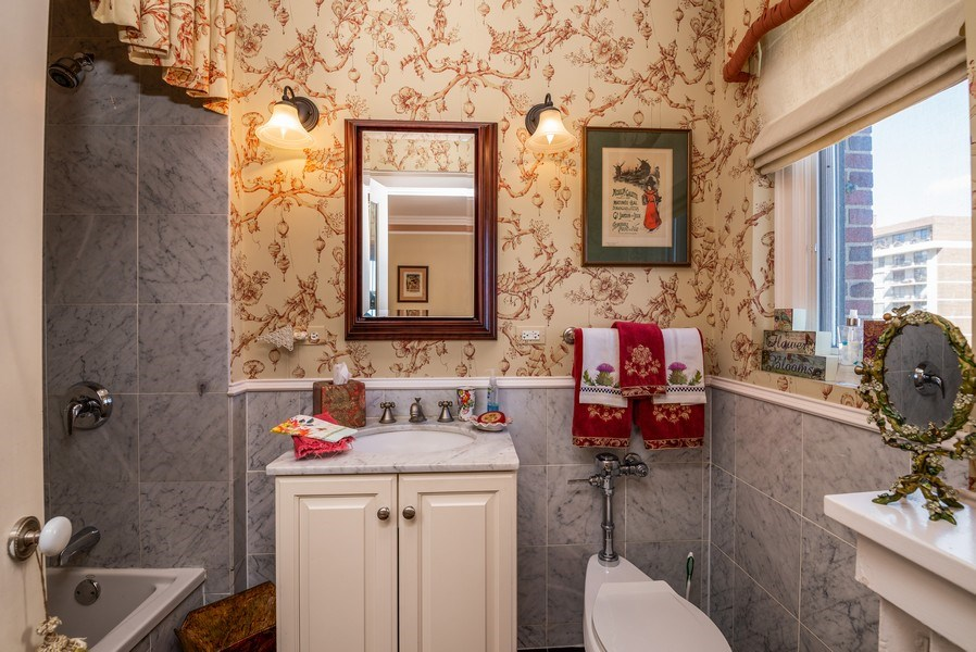 Real Estate Photography - 1120 N. LAKE SHORE Drive, Unit 12B, Chicago, IL, 60611 - 2nd Bathroom