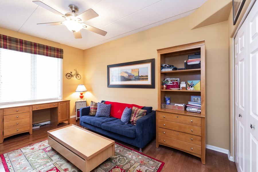 Real Estate Photography - 1731 Pavilion Way, Unit 301, Park Ridge, IL, 60068 - Bedroom