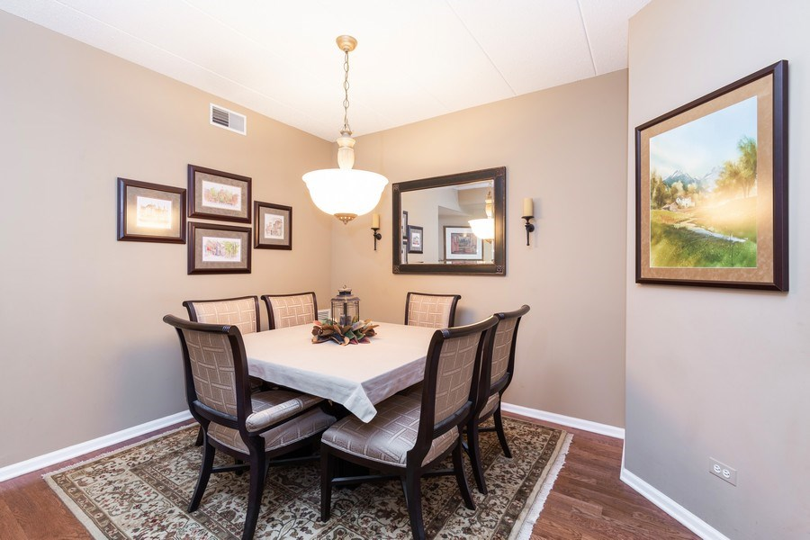 Real Estate Photography - 1731 Pavilion Way, Unit 301, Park Ridge, IL, 60068 - Dining Area
