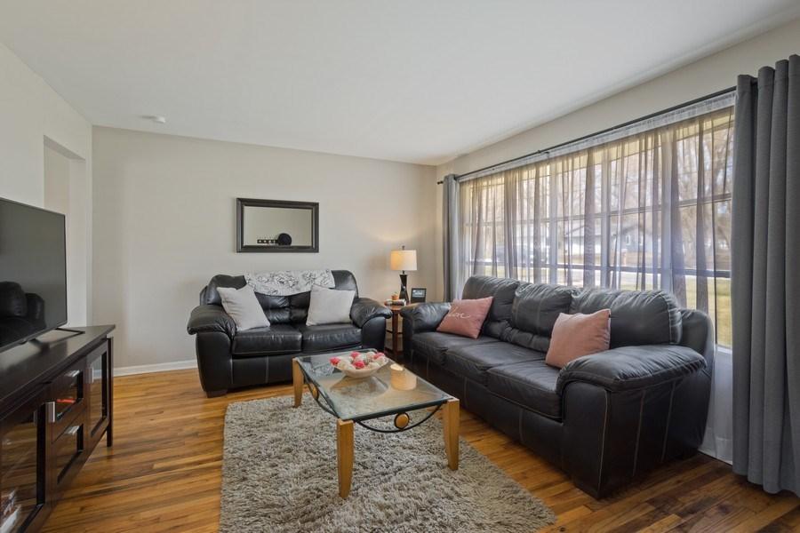 Real Estate Photography - 1540 Manhatas Trail, Algonquin, IL, 60102 - Living Room