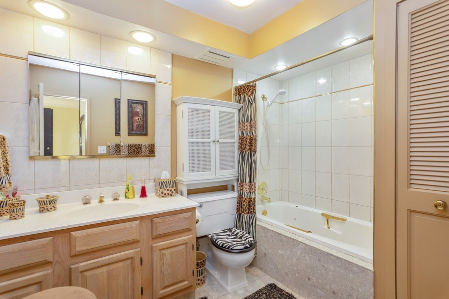 Real Estate Photography - 1405 E. Central Road, Unit 421C, Arlington Heights, IL, 60005 - Master Bathroom
