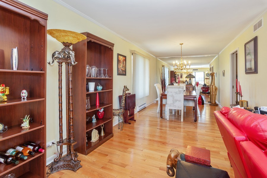 Real Estate Photography - 1405 E. Central Road, Unit 421C, Arlington Heights, IL, 60005 - Living Room / Dining Room