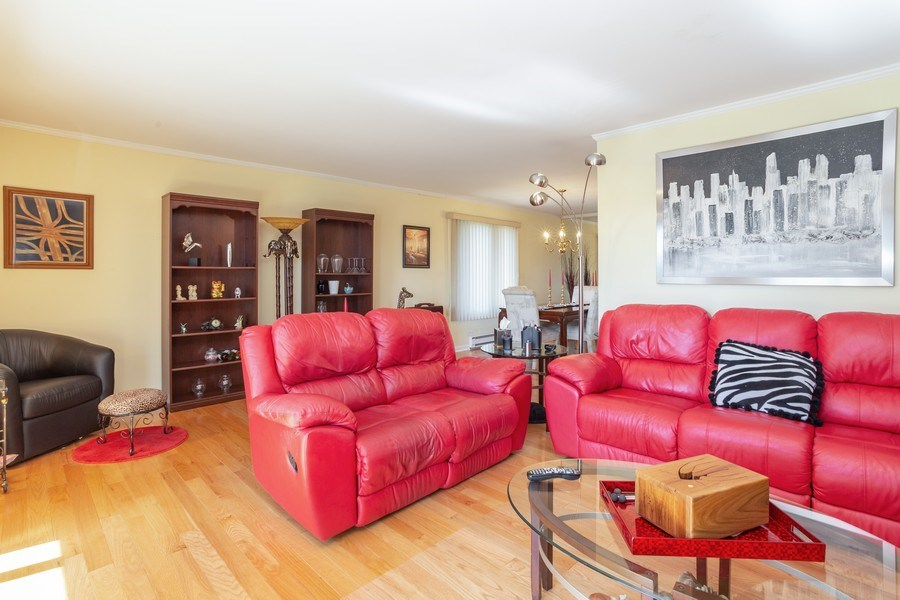 Real Estate Photography - 1405 E. Central Road, Unit 421C, Arlington Heights, IL, 60005 - Living Room/Dining Room