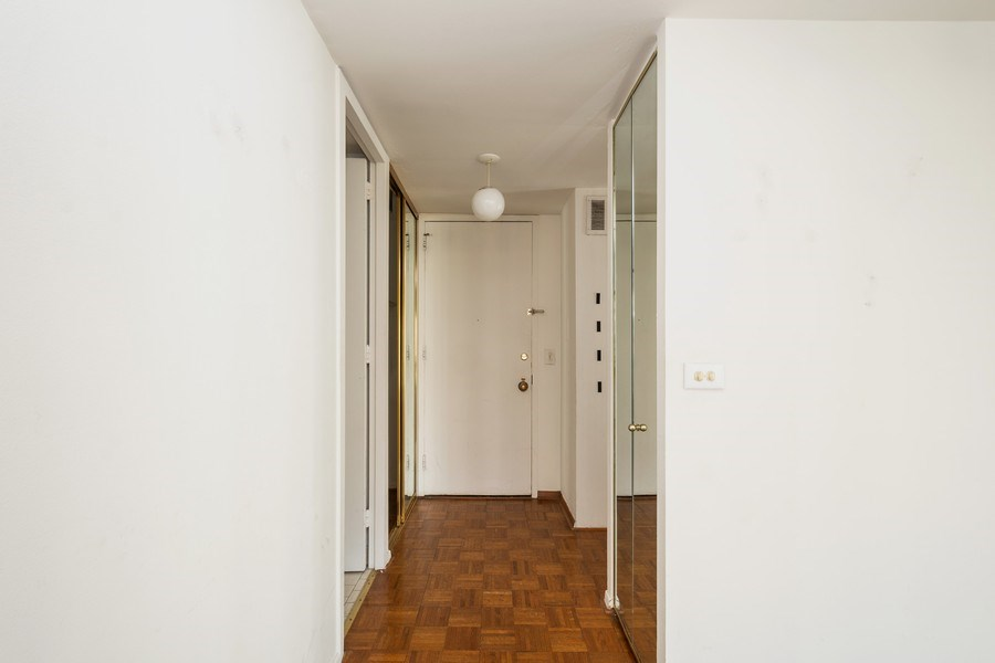 Real Estate Photography - 1 E. SCOTT Street, Unit 810, Chicago, IL, 60610 - Foyer