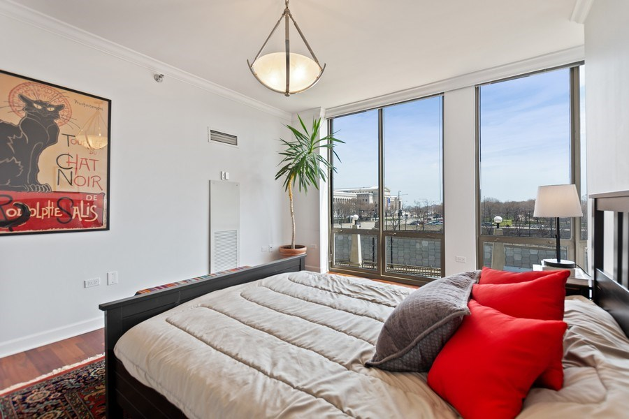Real Estate Photography - 1335 S. Prairie Avenue, Unit 504, Chicago, IL, 60605 - Master Bedroom