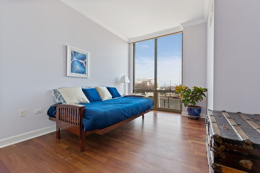 Real Estate Photography - 1335 S. Prairie Avenue, Unit 504, Chicago, IL, 60605 - 2nd Bedroom