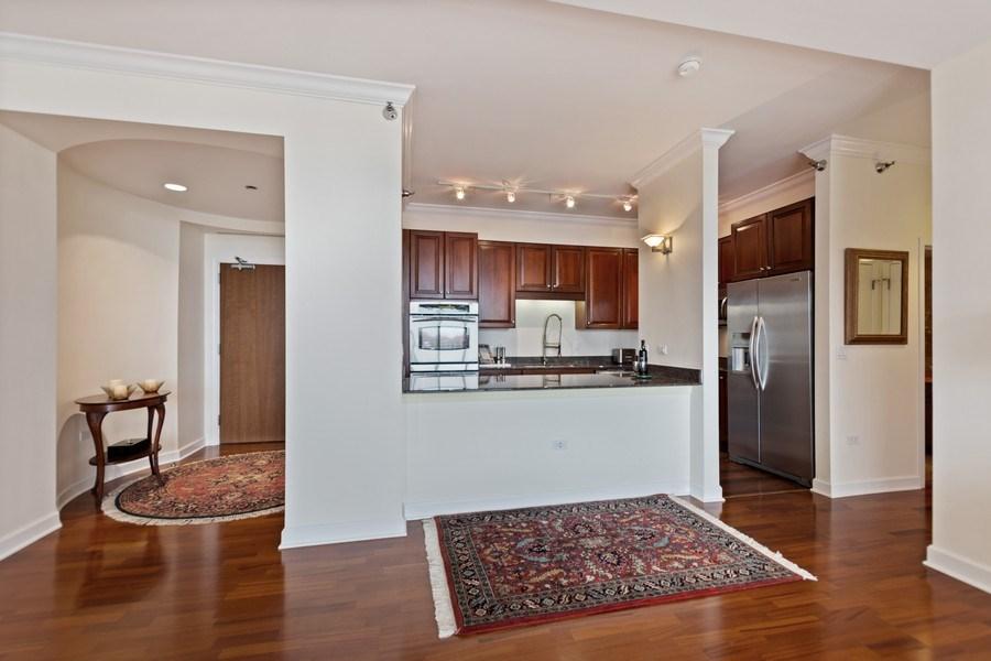 Real Estate Photography - 1335 S. Prairie Avenue, Unit 504, Chicago, IL, 60605 - Kitchen