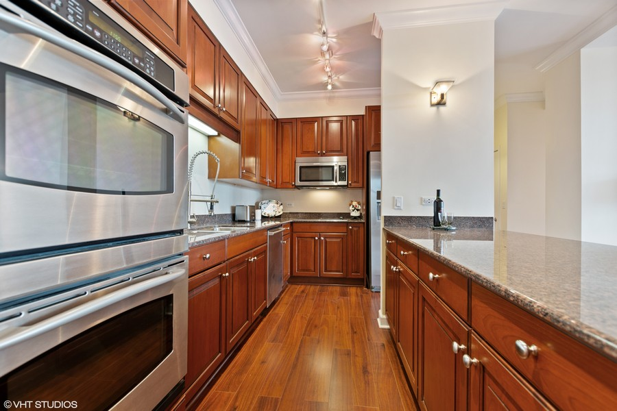 Real Estate Photography - 1335 S. Prairie Avenue, Unit 504, Chicago, IL, 60605 -